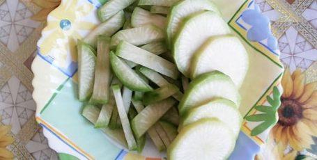 Вкусный салат из редьки — готовим для праздника и на каждый день