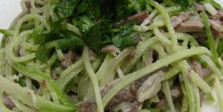 Вкусный салат с редькой — рецепт для любого стола